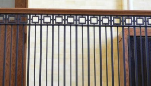 Craftsman Courthouse Railing Idea
