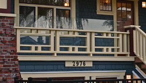 Deck railing ideas for your home find one for you part 12 for Craftsman picture rail